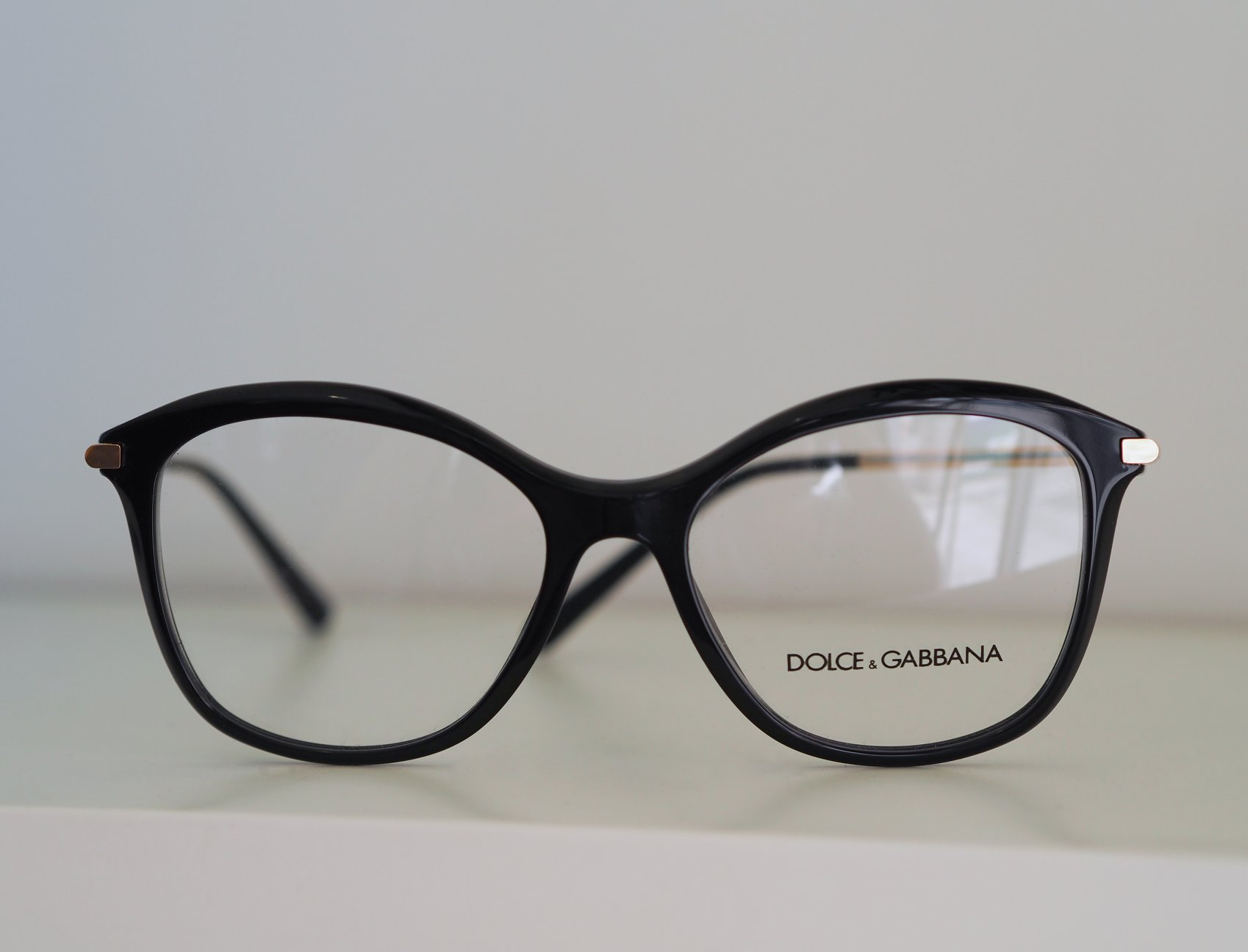 Gilna Opticans Glasses