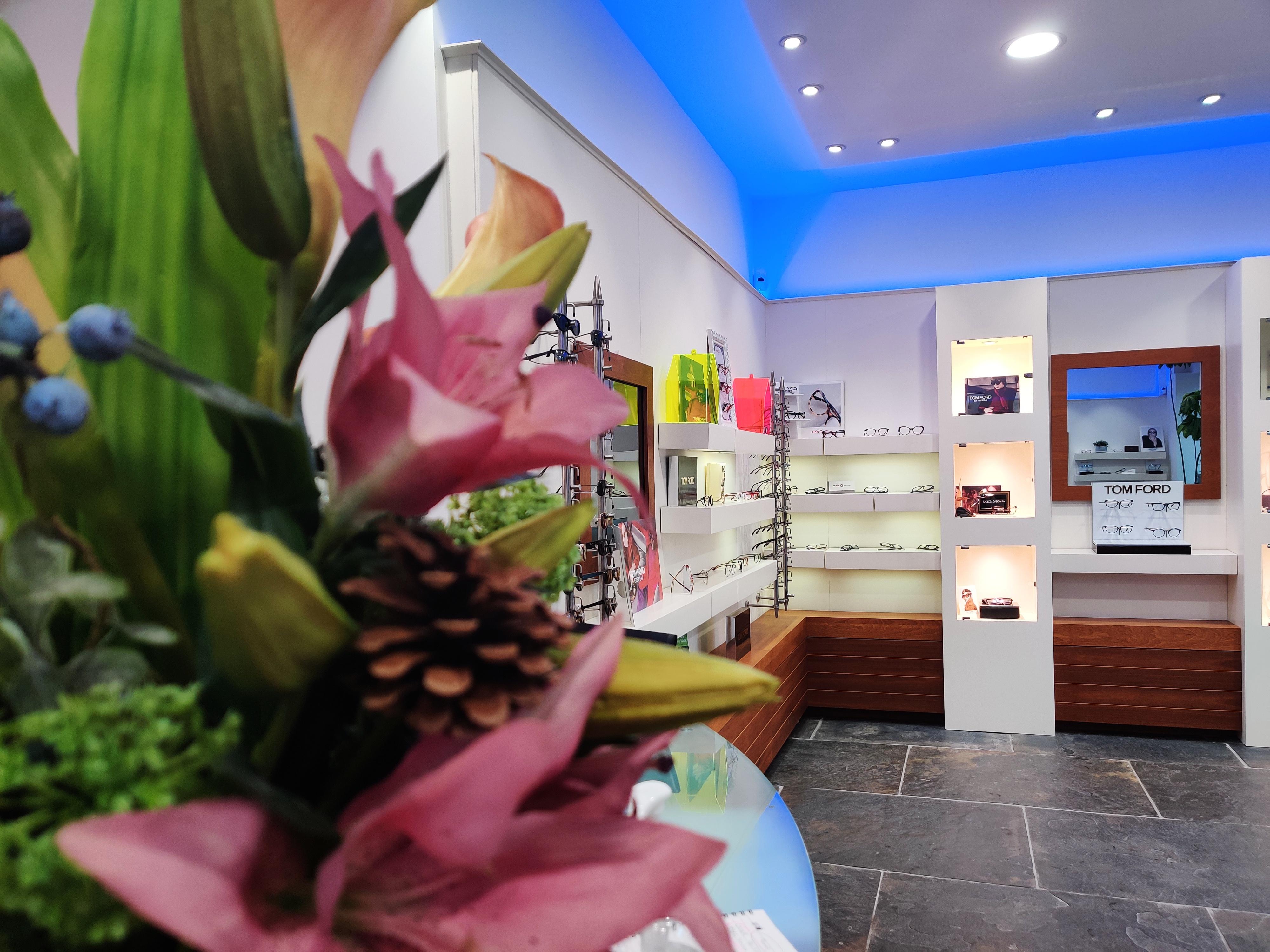 Gilna Opticians Store